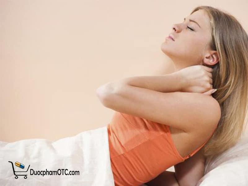 đau cổ vai gáy khi ngủ dậy